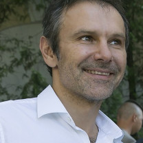 Image of Svyatoslav Vakarchuk (Source: https://www.flickr.com/photos/usembassykyiv/28260122095/)