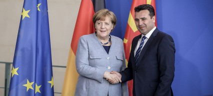 Update: Western support for referendum: Merkel and NATO Secretary-General visiting Macedonia