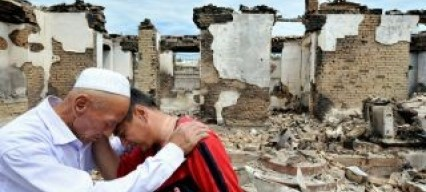 Human Rights Watch: Kyrgyz government forces aided attacks on Uzbeks