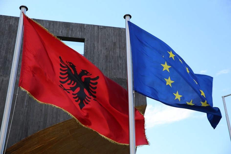 EU sends mixed signals to Macedonia and Albania with postponement of accession talks
