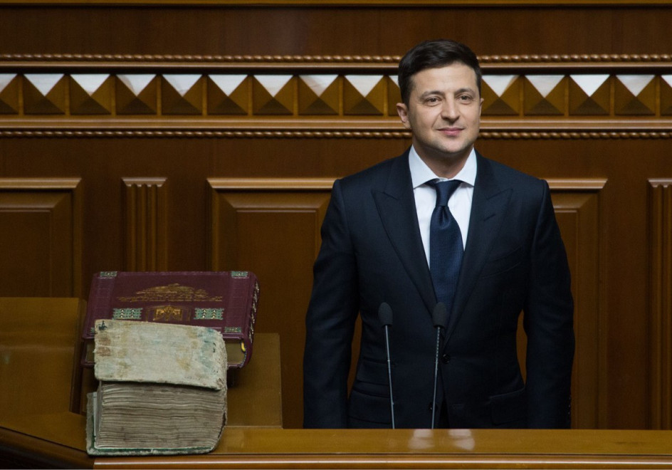 The mounting internal and external pressures on Ukrainian President Zelensky